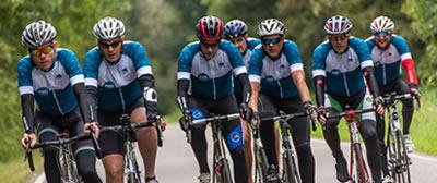 Just Cycle Sportswear is gespecialiseerd in custom fietskleding voor bedrijven en wielerclubs.